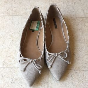 Tahari grey suede flats-size 6.5M